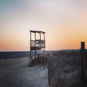 lifeguard shack on beach shore in yarmouth ma_yarmouth massachusetts tourism_cape cod tourism_yarmouth cape cod