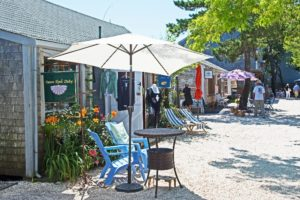shopping and dining area in cape cod_best restaurants in cape cod_things to do in cape cod