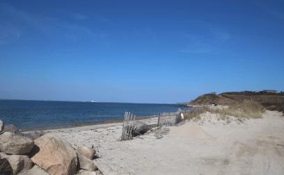 churchs beach_best things to do in cuttyhunk