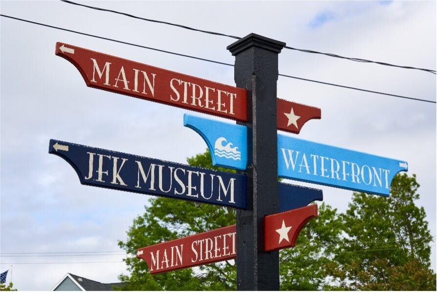 street signs in hyannis massachusetts_things to do in hyannis