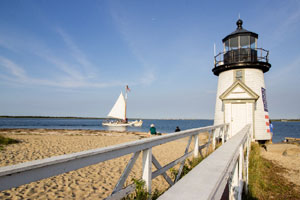 brant point lighthouse in nantucket_day trip to nantucket massachusetts_things to do on nantucket