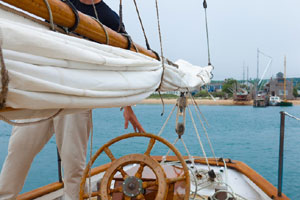 cape cod sailing charters and tours_photo of sailboat_cape cod boat charter