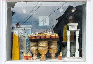 antiques in window_cape cod antique shops_shopping on cape cod