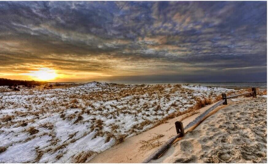beach with snow in cape cod_best time to visit cape cod