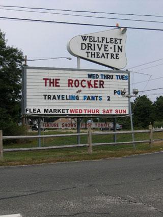 wellfleet drive in theatre sign_cape cod drive in_cape cod movie theaters