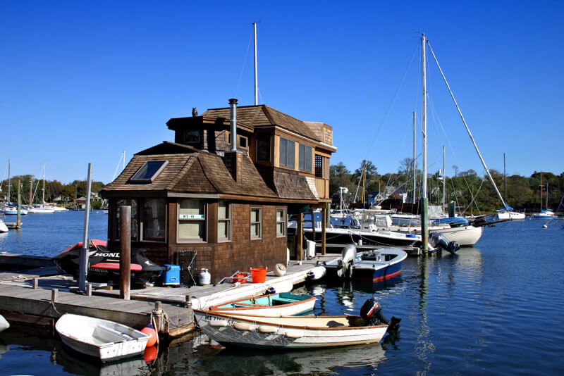 dock with boats near cape cod_cape cod vacation tips_things to do on cape cod