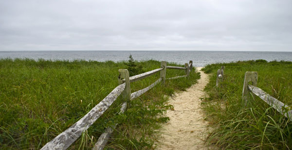 sandy path to beach in cape cod_everything you need to know for a cape cod vacation_cape cod winter getaway